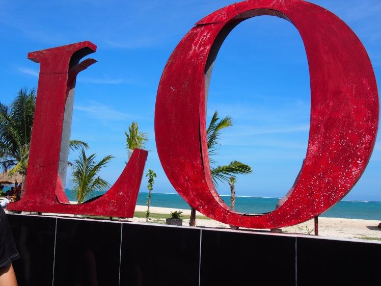 Apa LO... Pantai Kuta, Lombok