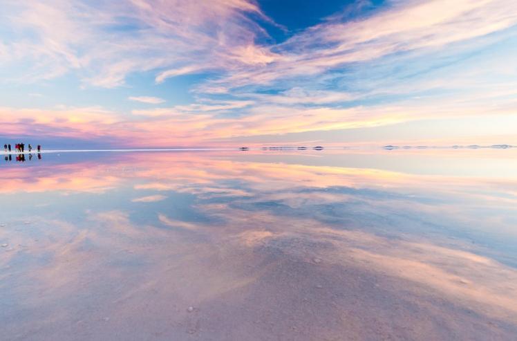 Salar de Uyuni, Bolivia (source: boomsbeat)